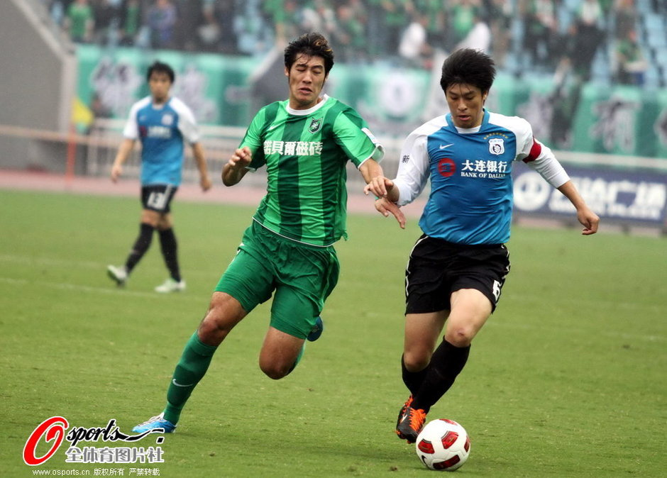 2011年中超第30轮:杭州绿城0-0大连实德
