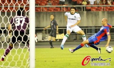 2010年中超第21轮:杭州绿城0-0重庆力帆