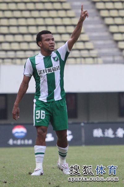 2010年中超第26轮:深圳红钻0-1杭州绿城