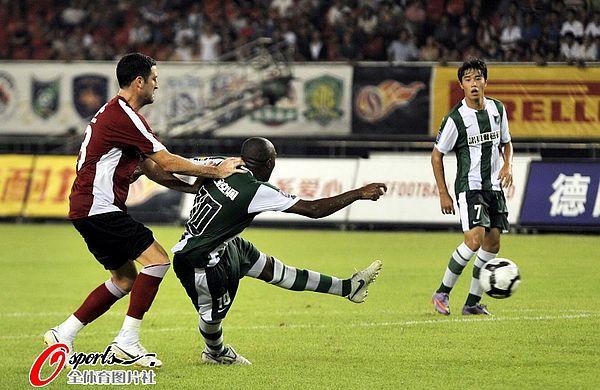2010年中超第23轮:杭州绿城2-1辽宁宏运