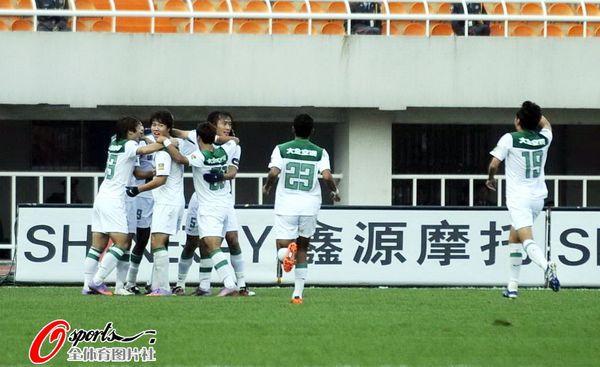 2010年中超第28轮:陕西浐灞0-2杭州绿城