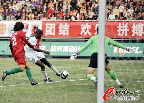 2010年中超第29轮:杭州绿城2-0河南建业