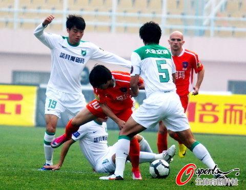 2010年中超第30轮:青岛中能0-1杭州绿城