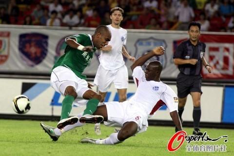 2009年中超第21轮:杭州绿城1-2深圳队