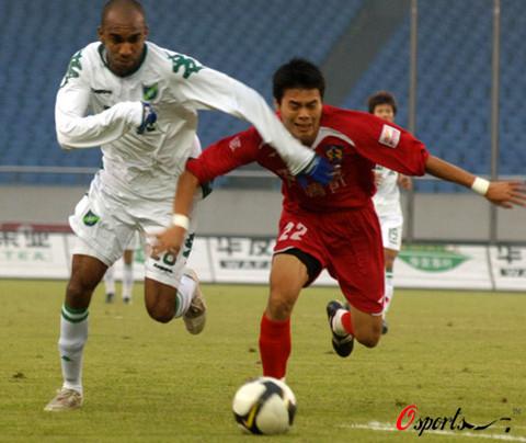 2008年中超第29轮:浙江绿城2-3深圳上清饮