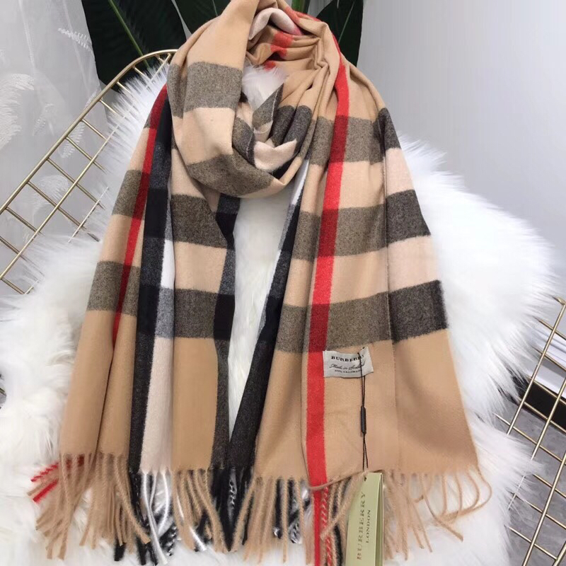 Burberry women's cashmere wool scarf shawl B5