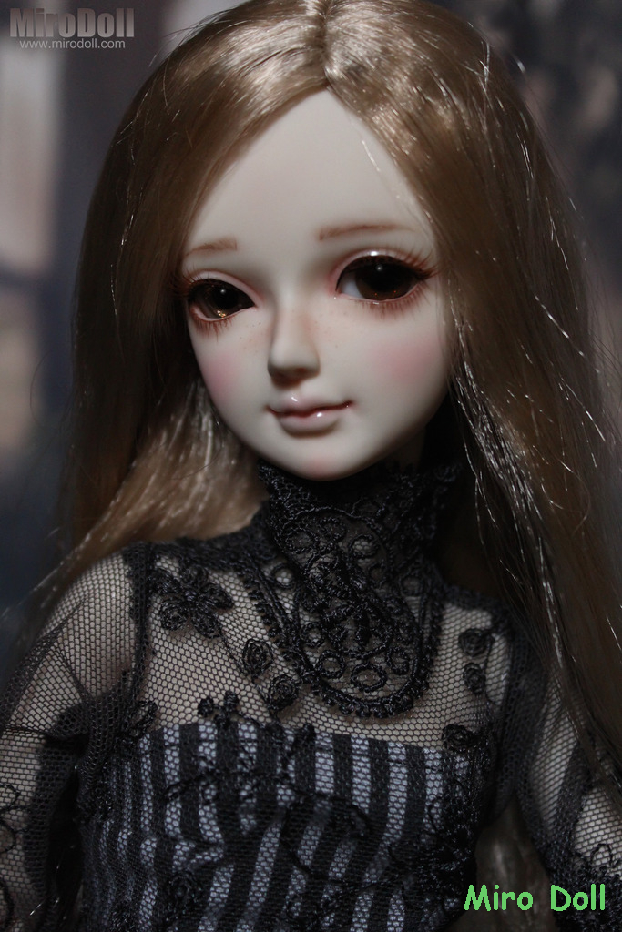 Blond Lili 9