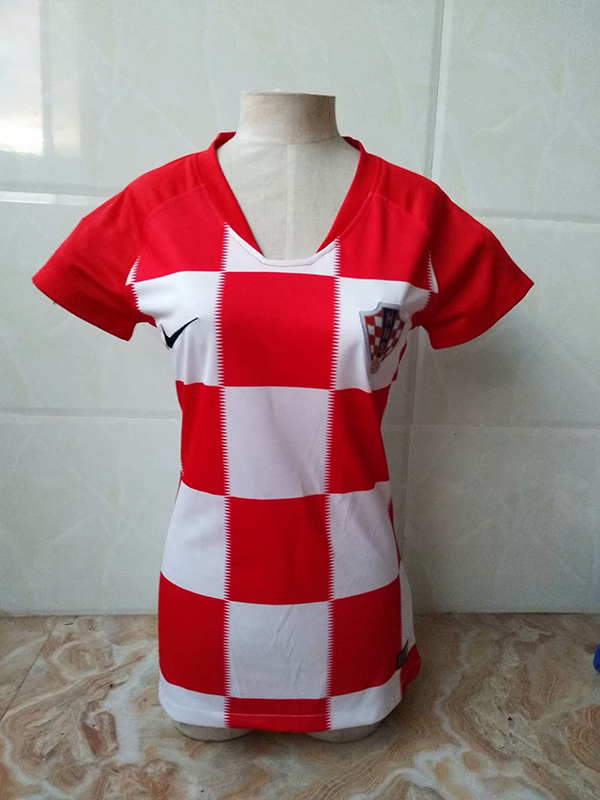 2018-world-cup-croatia-home-women-football-jersey-4.jpg