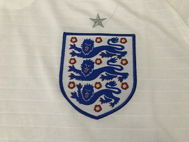 2018-world-cup-england-home-football-jersey-4.jpg
