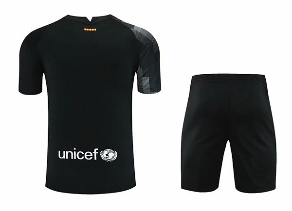 21-22-barcelona-black-goalkeeper-football-set-514.jpg