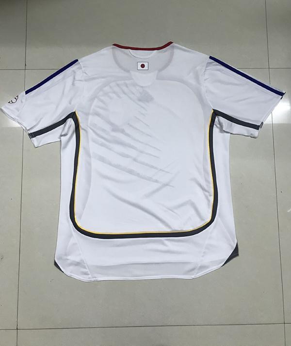 2006-japan-away-football-retro-jersey-2.jpg