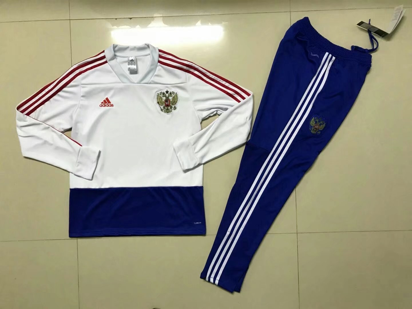 2018-world-cup-russia-white-football-sweaterset-4.jpg