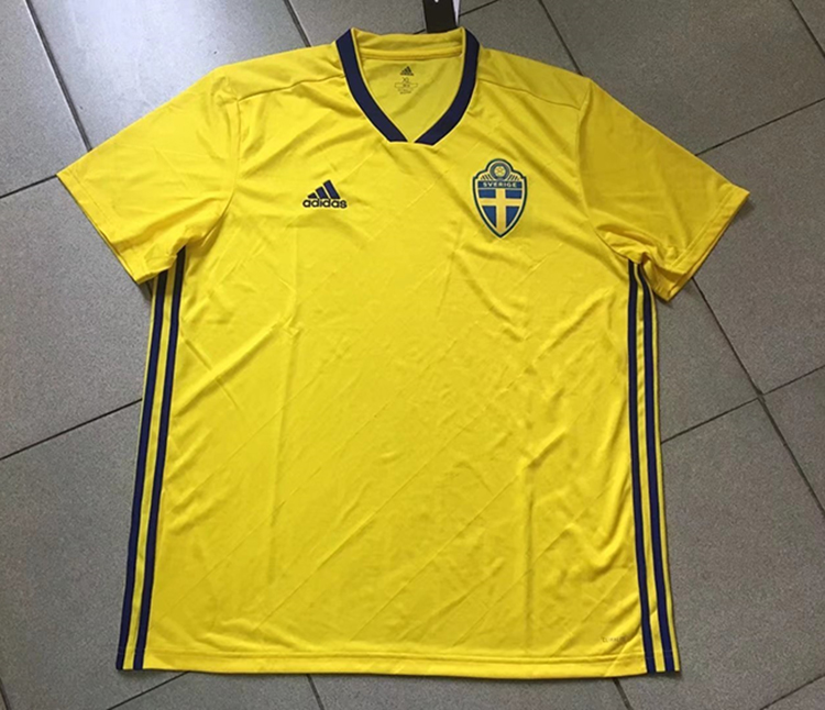 2018-world-cup-sweden-home-football-jersey-6.jpg