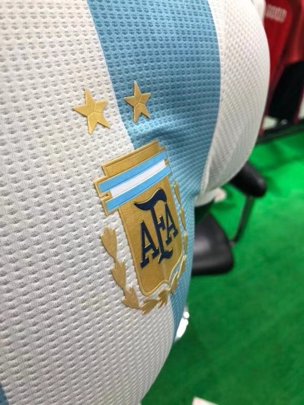 2018-world-cup-argentina-home-player-football-jersey-3.jpg