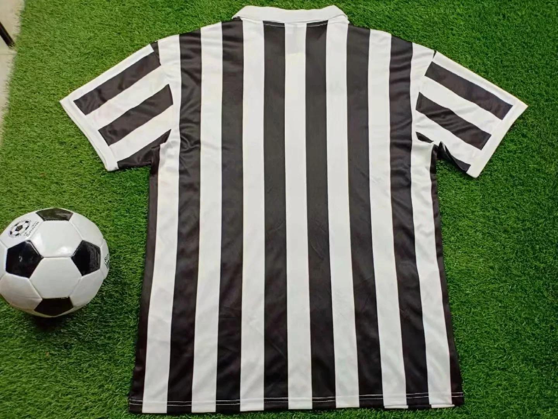 1984-juventus-home-retro-jersey-2.jpg