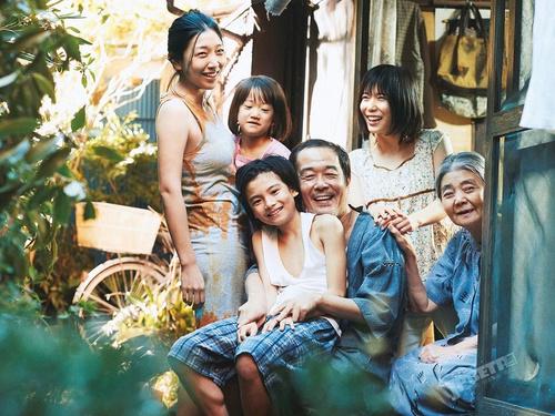 《小偷家族》蓝光碟明年4月上市