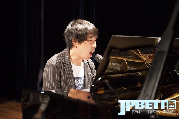 专访阿部笃志:本来可能成为外交官的阿部笃志,却成了用爵士诠释音乐的钢琴家