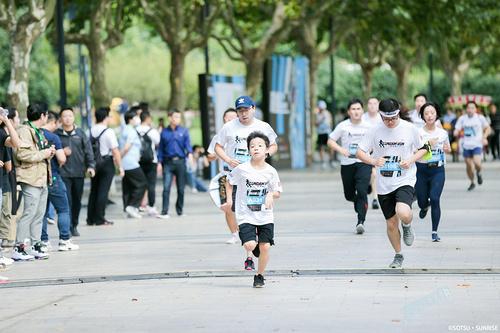 激活运动之秋——万代南梦宫的二次元破圈之旅!高达、吃豆人叫你一起跑步!