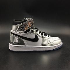 """乔丹1代 Air Jordan 1 High """"Pass The Torch"""" 货号:AQ7476-016 电镀银马刺队主色  正确原装版本 头层皮真标7-13出货"""