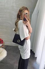 B5颜色 黑 白尺寸 21x16G家新款链条单肩小包,顶级头层牛皮质感一流,原版内阁简约时尚