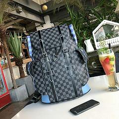 B1\LOUIS VUITTON 路易威登 双肩包背包 采用优质材质,手感超好  顶级做工  电镀五金  高端货 附带小票 规格:32.46.14