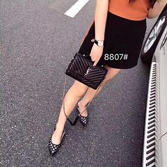 B1颜色 黑色 尺寸 22x15型号 8807圣罗兰经典款可以手提可以单肩可以放长款钱包多层内阁内置卡位超级实用