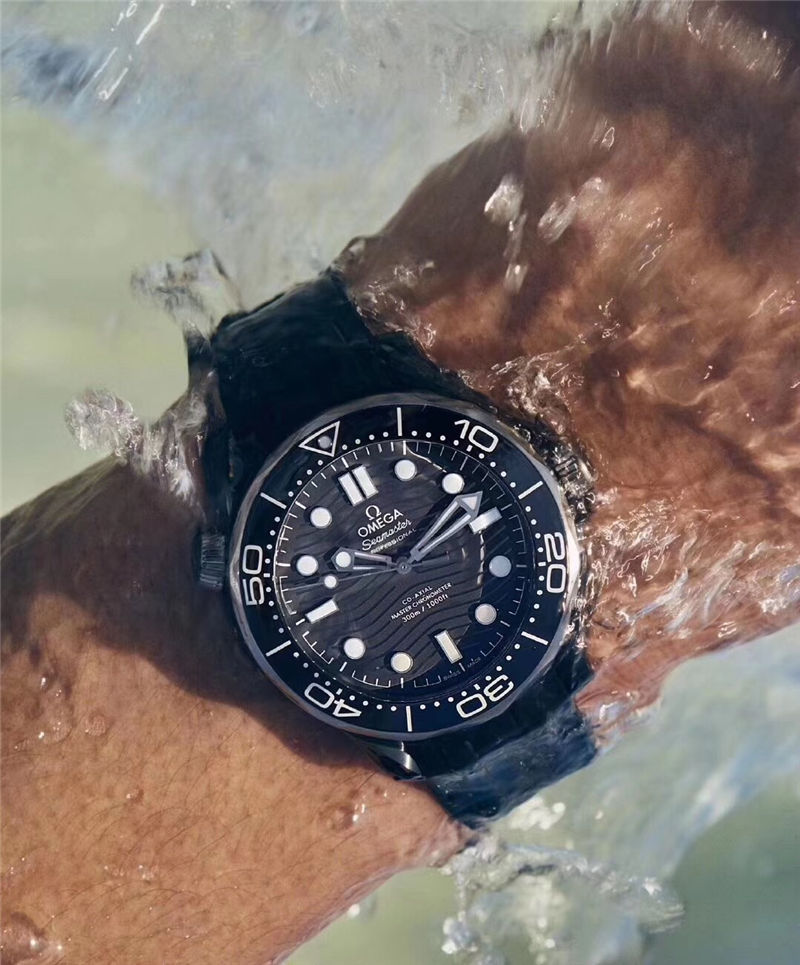 VS厂欧米茄海马300米黑陶瓷表壳_复刻表测评-第12张