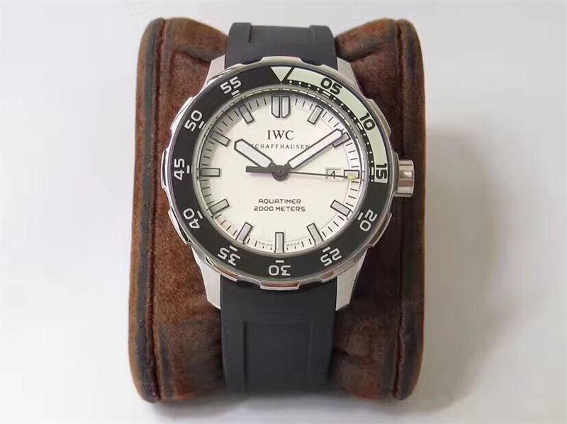 IWS厂万国海洋时计四分之一白IW356801_复刻表测评-第1张