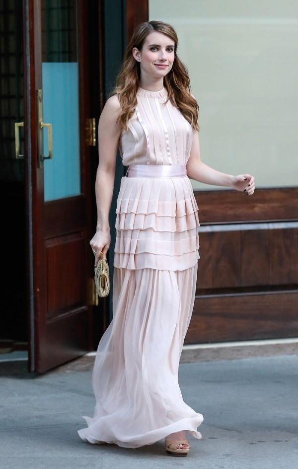 夏季女装搭配 长款连衣裙穿出你的小蛮腰!