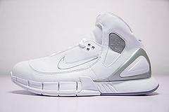 """真标真碳纤、真ZOOM气垫!bet36是不是黑_英国bet36体育在线_bet36最新体育备用Nike Zoom Huarache 2K5 OG 系科比签名征战篮球鞋""""白灰银""""310850-111"""