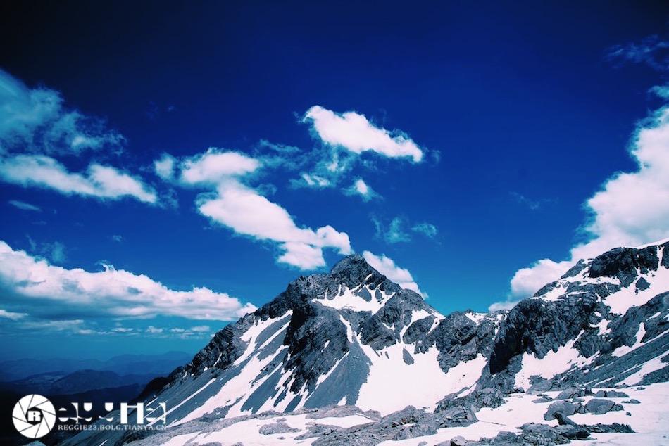 五月的古镇和雪山印象