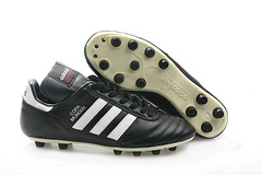 出货了卡帕11黑豆真皮足球鞋adidasCopaMundialFGBlackWhiteMadeinGermanysizeeur