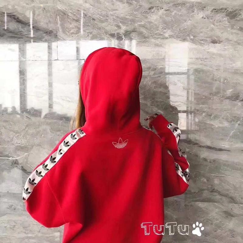 红色2.JPG