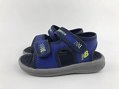 NB童鞋 凉鞋