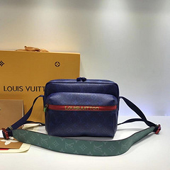 Louis Vuitton high-end explosive shoulder bag pockets original quality