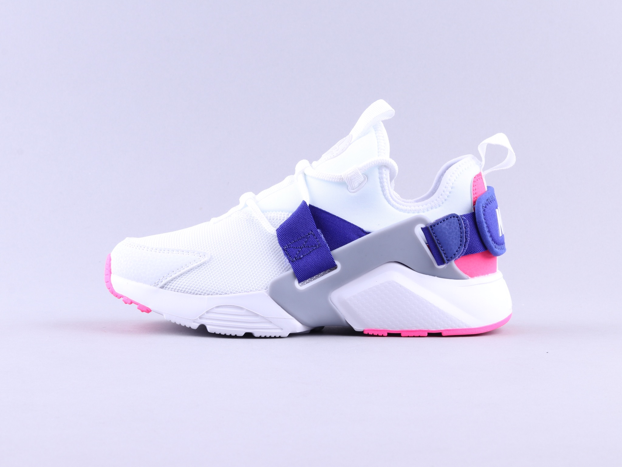 Nike Air Huarache City Low  华莱士五代 白彩虹 AH6804-101
