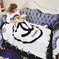 2520新款飞机毯上货超大尺寸,礼品袋包装,手感超级好,怎么用都舒服,150*200左右,抓紧上图