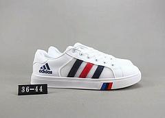 阿迪达斯低帮休闲板鞋 网面皮革拼接材质 Size:36-44码