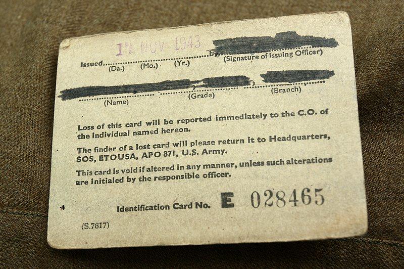 虫儿飞原整数字歌谱-1943年11月17日签发,盟军欧洲战区通行证,和同名的手链一条,军