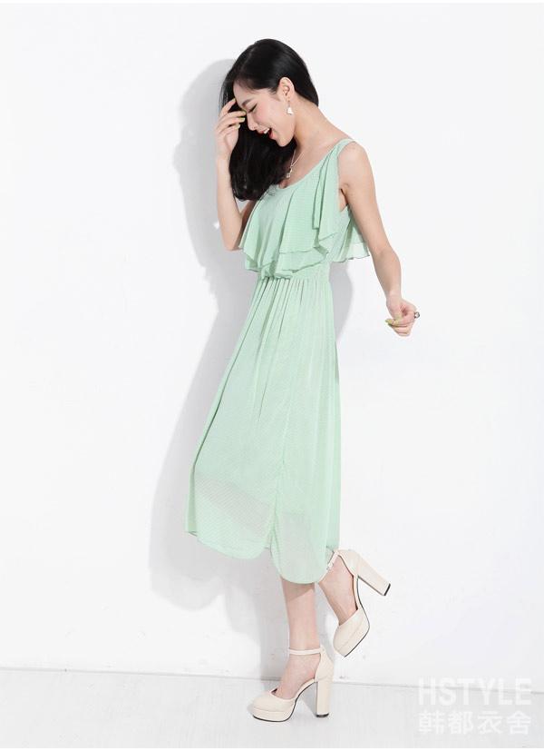 雪纺吊带连衣裙 高清图片
