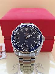 欧米茄 海马系列 男士腕表,全自动机械机芯,表盘直径:43.5mm,精钢表壳、表带,蓝盘