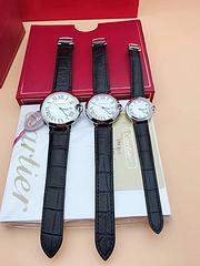 品牌:卡地亚 316钢,两年质保 款式:情侣对表 机芯:进口石英 镜面:进口镀膜 尺寸:大号宽34mm 厚9mm 小号宽28mm 厚8mm卡地亚手表