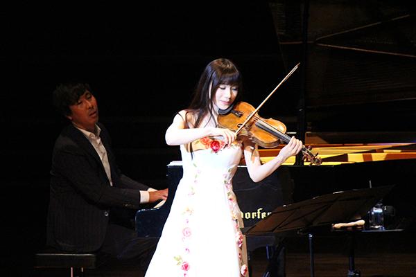 专访|石川绫子:演奏柔美古典女王乐器的小提琴女神