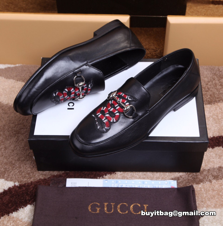 bf8a22b4116 Best high quality discount gucci Mens Leather loafer with Kingsnake ...