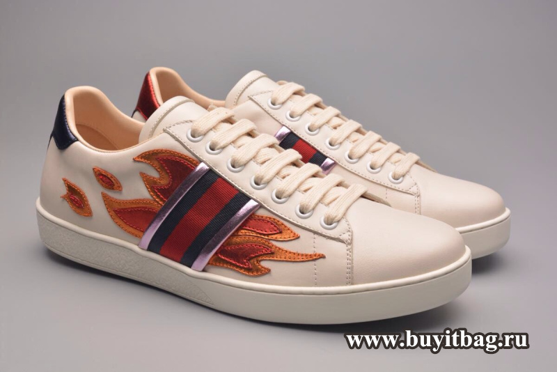 a591c5f1df2 Gucci Unisex Ace Sneaker With Flames 440724