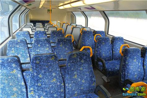 train (11)