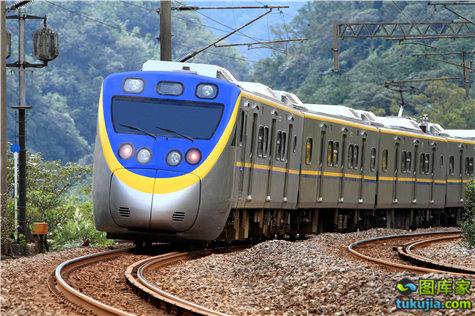 train (25)